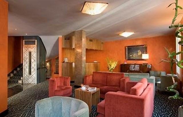 best western mercedes arc de triomphe ufficio del turismo di parigi. Black Bedroom Furniture Sets. Home Design Ideas