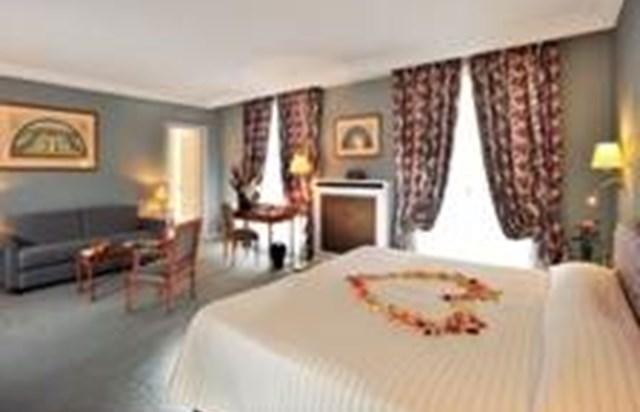 h tel le littr paris tourist office. Black Bedroom Furniture Sets. Home Design Ideas