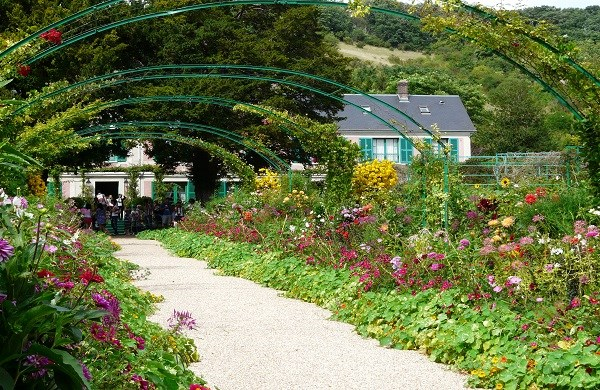 Guided Tour of Giverny from Paris