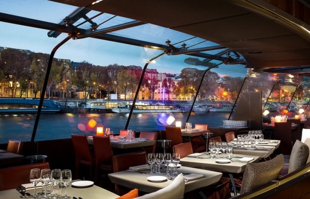 Bateaux Parisiens - Lunch and dinner cruises
