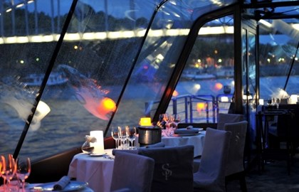 Bateaux Parisiens - Dinner-cruise - 6pm and 9pm