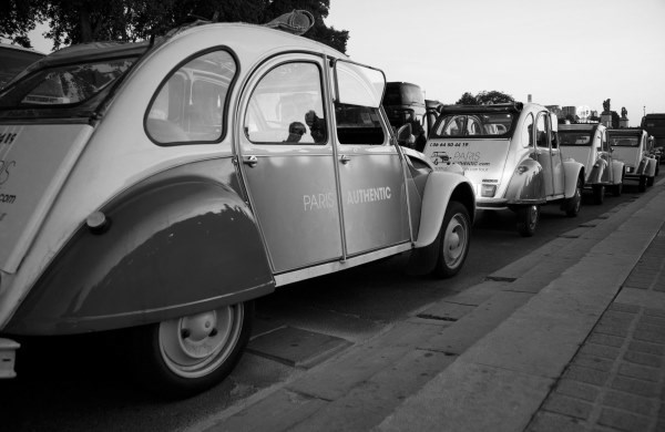Paris tours in a 2CV car