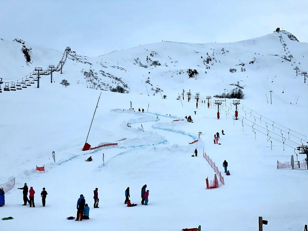 Arrivée piste de luge éphémère du front de neige de La Toussuire © OT